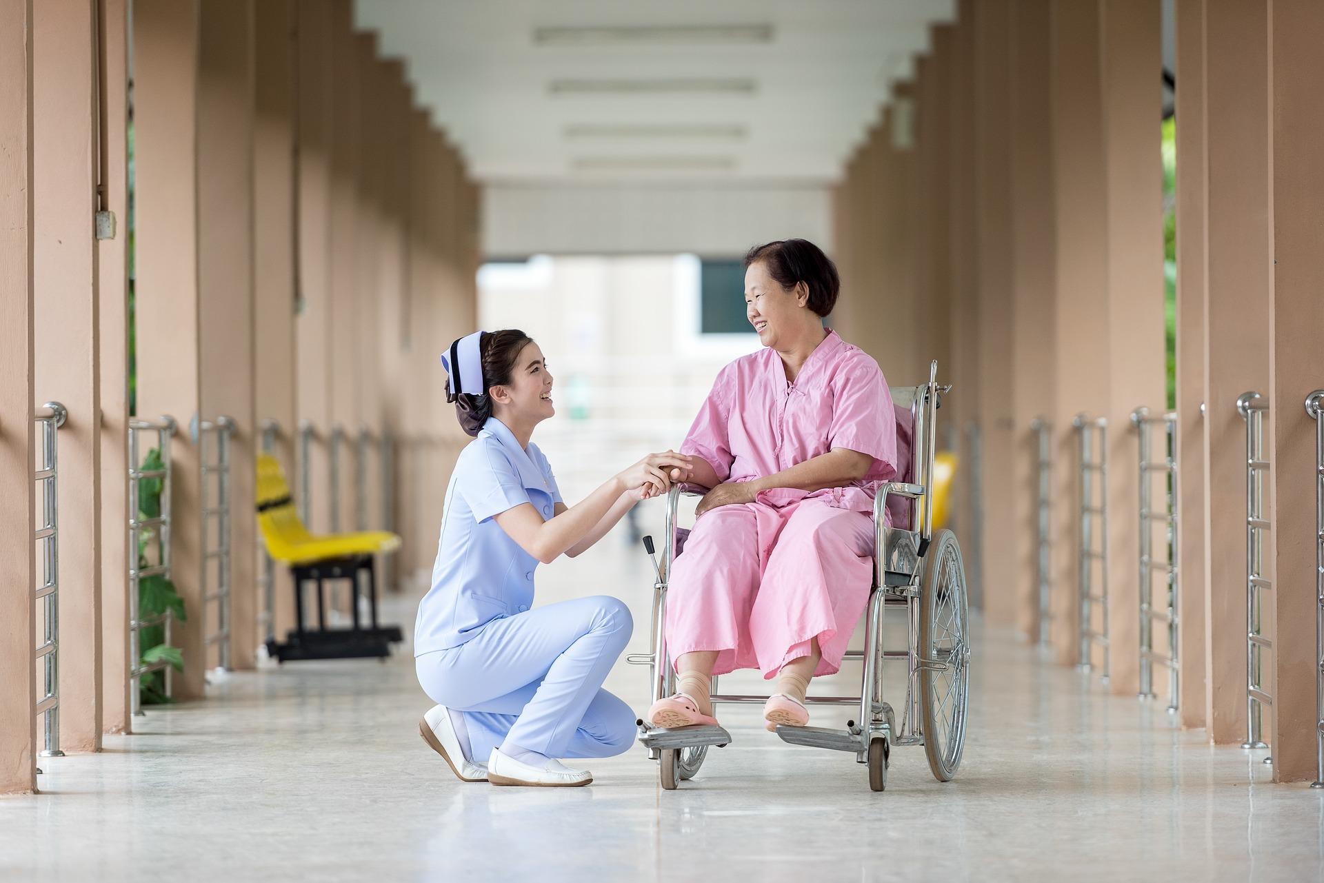 Los mejores cursos sanitarios   Los mejores cursos sanitarios EnfermeraPaciente
