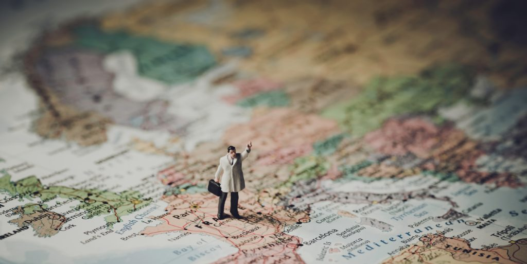 MuñecoEuropa  10 webs de empleo para encontrar trabajo en Europa Mu  ecoEuropa e1529021203787 1024x513