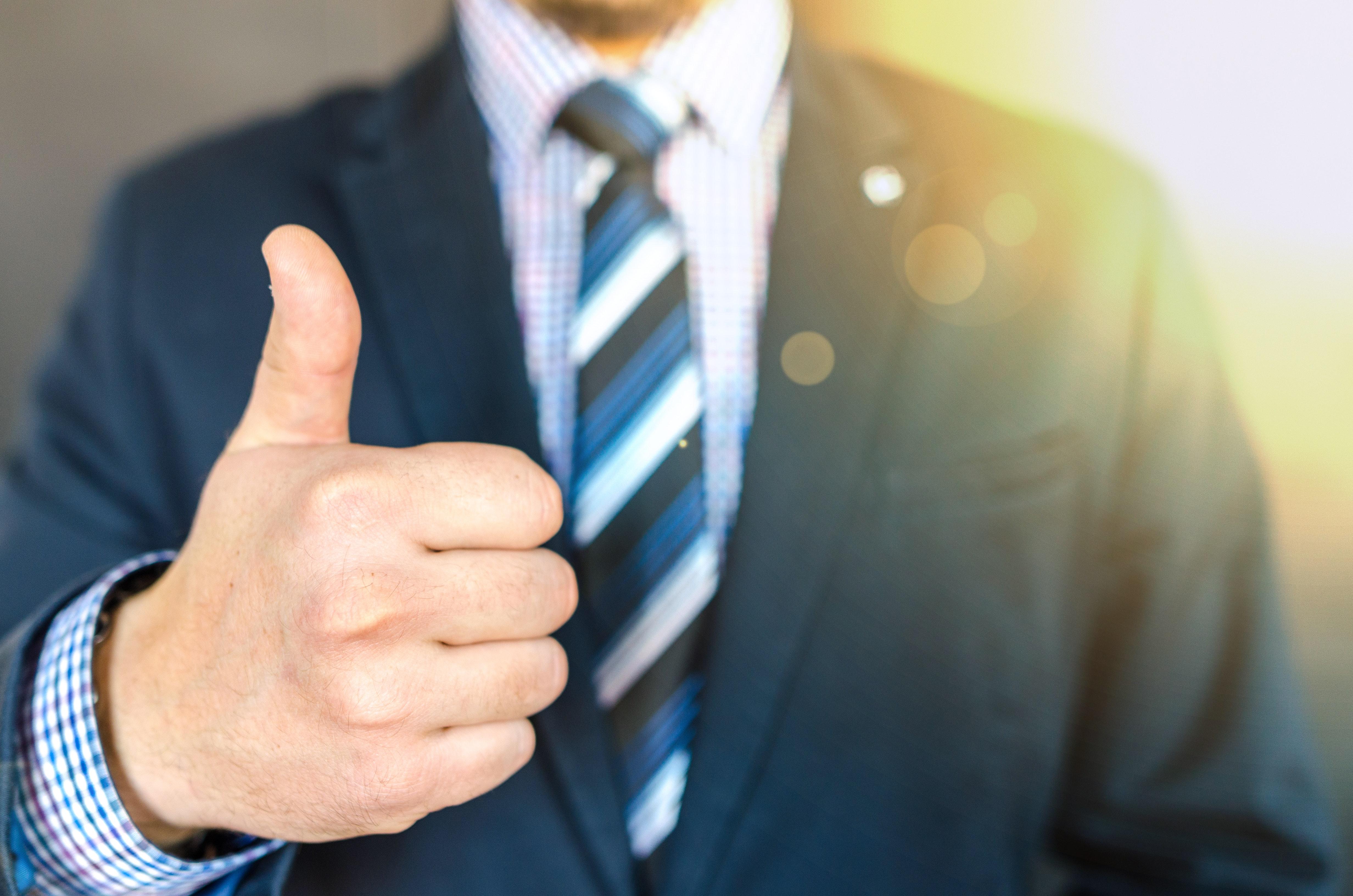 Cómo preparar con éxito una entrevista de trabajo   Cómo preparar con éxito una entrevista de trabajo PulgarArriba