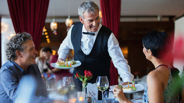 Cursos para Trabajar   Cursos para Trabajar atencion cliente restaurantes 600x337